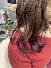 裾カラーでピンクに☆